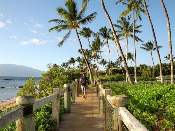 Maui - Andaz Wailea walkway